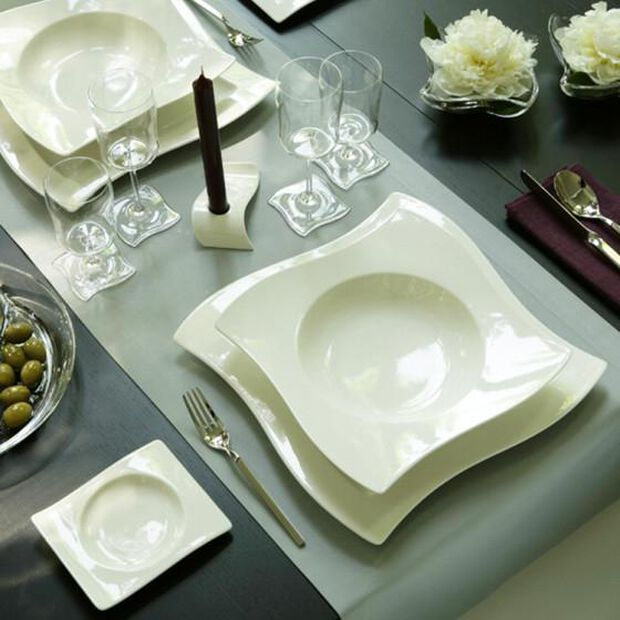 Your New Wave Dinner and Serving Set