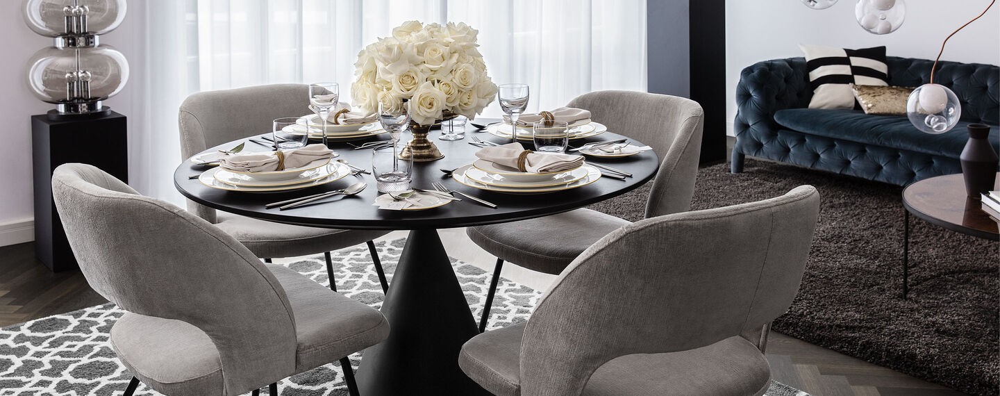 Presenting the Signature collection - Anmut Gold - in a modern and elegant table setting