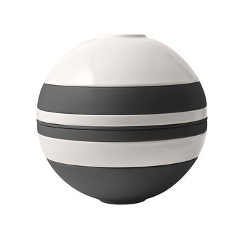 La Boule, Black & White