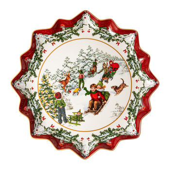 Toy's Fantasy Deep Pastry Plate: Sleigh Ride