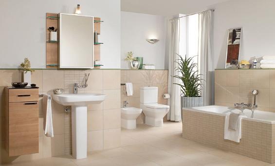 Badezimmer fliesen creme  creme & weiß | Wohnideen | Bad | Pinterest | Große fliesen, kleine ...