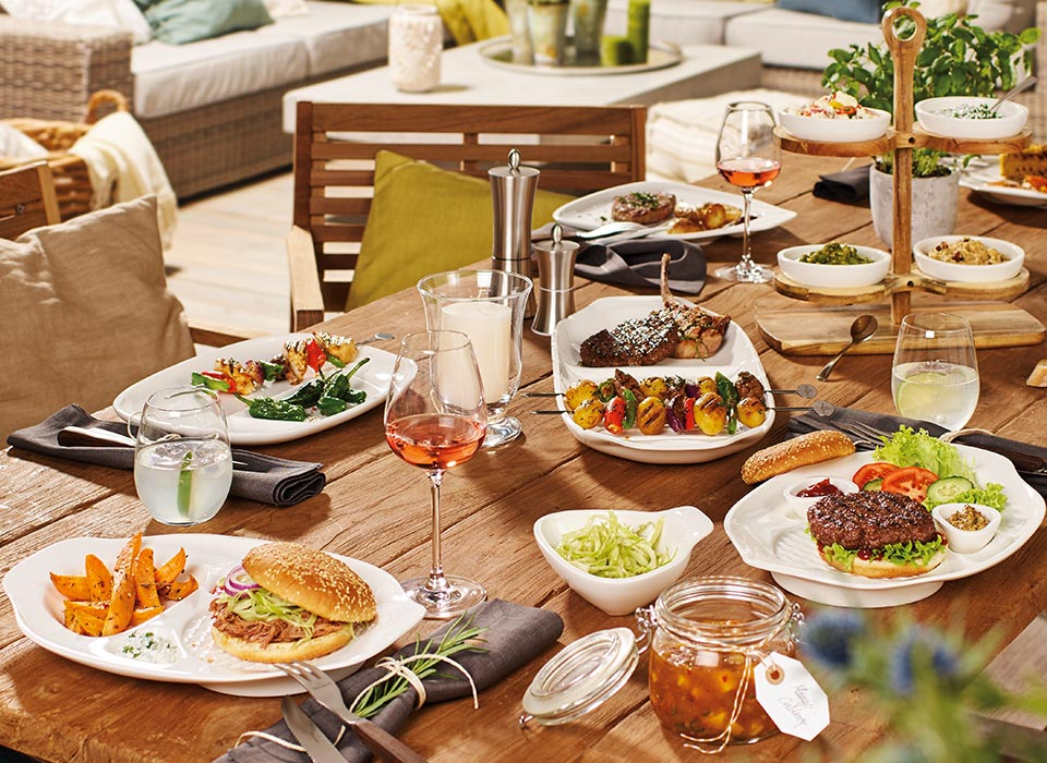Bbq party with villeroy boch - Coleman small spaces bbq decoration ...