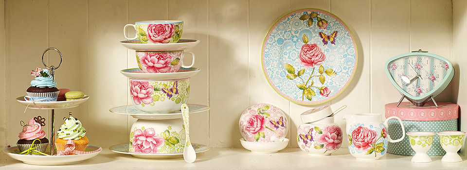 Modern rose pattern in nostalgic country style. Rose Cottage